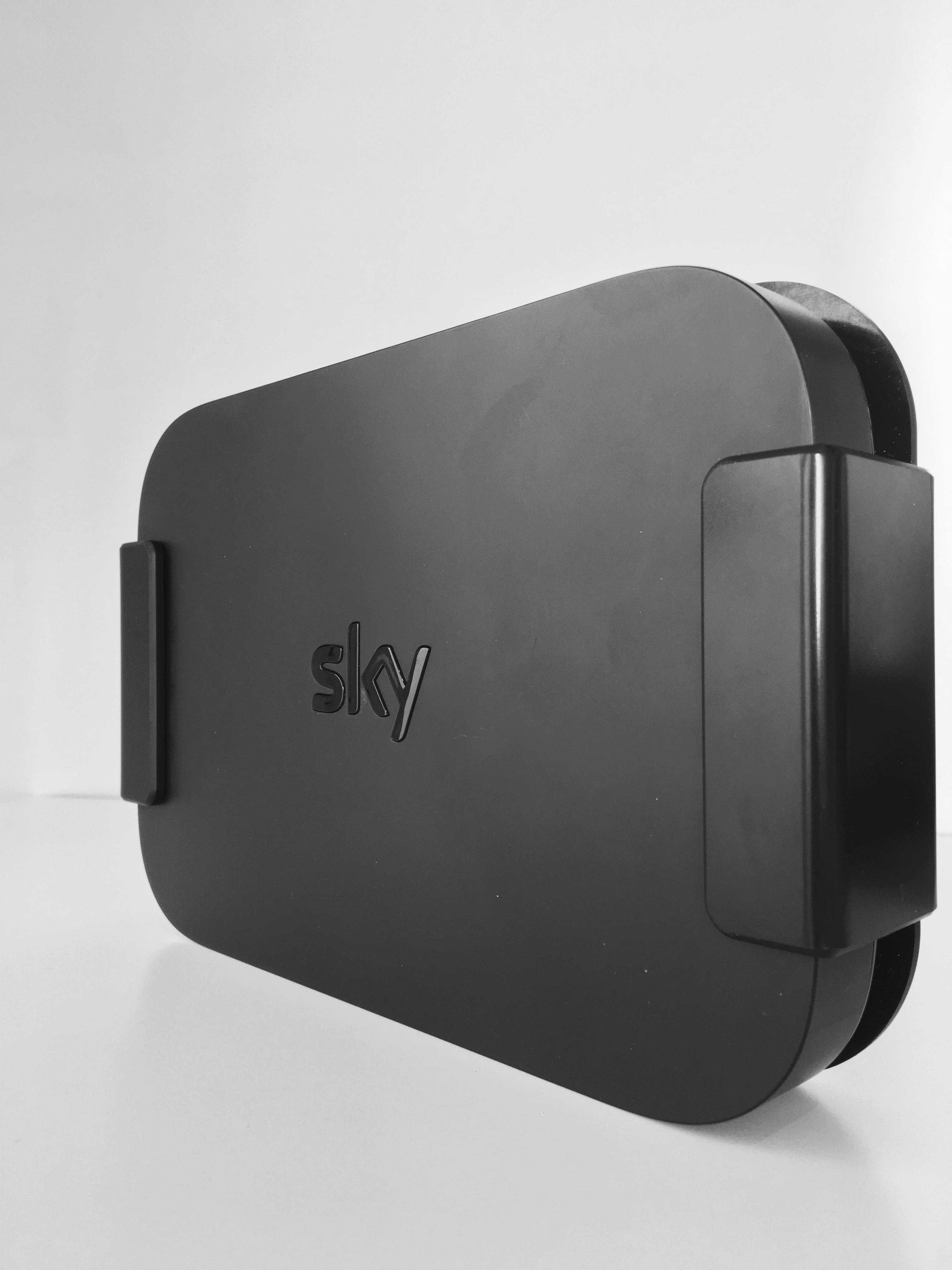 Sky Q Mini Wall/TV Mount